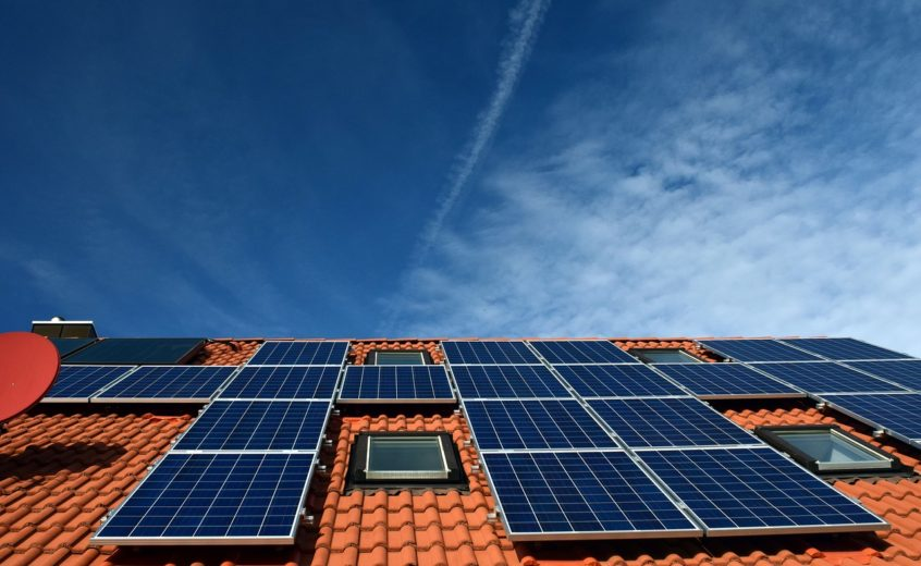 Rooftop Solar Panels vs. Grid Electricity